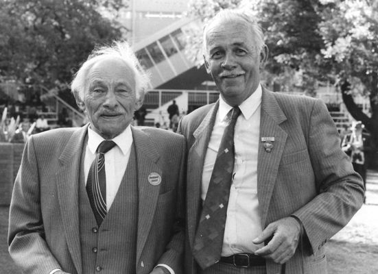 George Scott (right) with his friend and patron Sid Gervis, who owned the smart chestnut Mr Peerson.