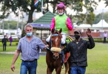 Miss Generosity, with Tienie Prinsloo and Richard Fourie and groom, 'Smitty'.(Candiese Lenferna).